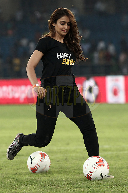 Ileana D'Cruz during penalty shootout after the match 3 of the Hero Indian Super League between The Delhi Dynamos FC<br /> and FC Pune City held at the Jawaharlal Nehru Stadium, Delhi, India on the 14th October 2014.<br /> <br /> Photo by:  Deepak Malik/ ISL/ SPORTZPICS