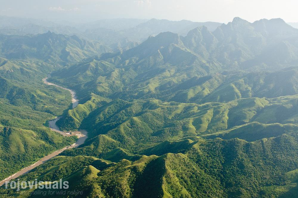 En las cercanías de la frontera entre los estados de Nayarit y Durango, el río San Pedro Mezquital fluye libre entre las escarpadas laderas de la Sierra Madre Occidental