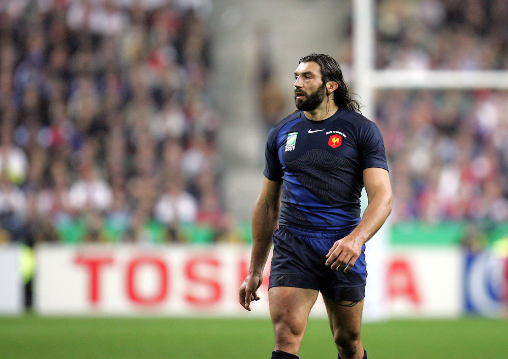 A dejected Sebastien Chabal. France v England, Semi Final, IRB Rugby World Cup 2007, Stade De France, St Denis, 13th October 2007.