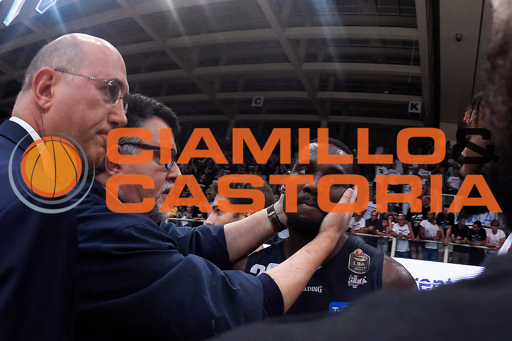 Luigi Longhi, Dustin Hogue<br /> Dolomiti Energia Trento - Umana Reyer Venezia<br /> Lega Basket Serie A 2016-2017<br /> Playoff FINALE Gara 6<br /> Avellino 20/06/2017<br /> Foto Ciamillo-Castoria