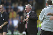 Peter Spurrier Sports  Photo.email pictures@rowingpics.com.Tel 44 (0) 7973 819 551.Nationwide Division 2 .Wycombe Wanders FC v Swindon Town FC..27-10-2001.2nd Half..Swindon Manager - Roy Evans