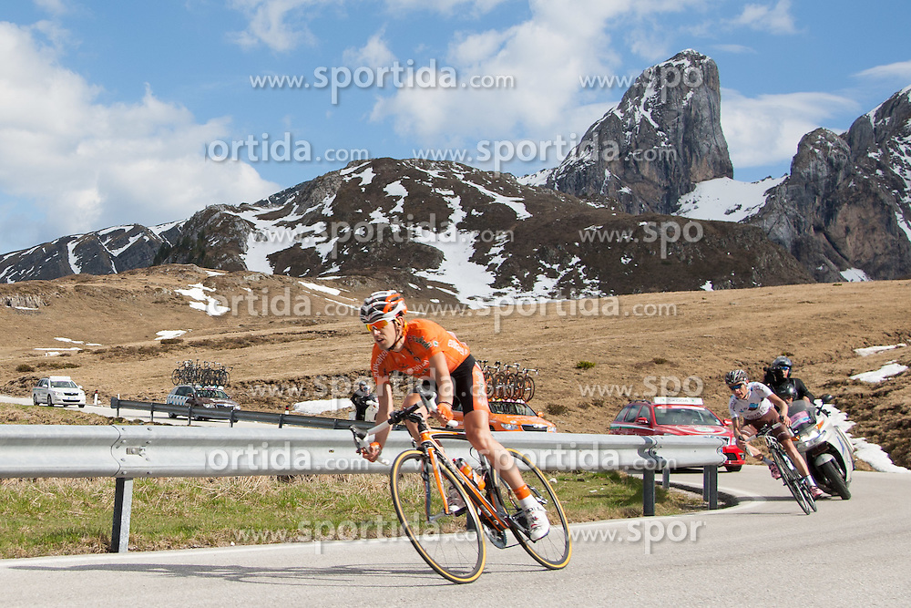 23.05.2012, Passo Giao, Cortina, ITA, Giro d' Italia 2012, 17. Etappe, Pfalzen - Cortina d'Ampezzo, am Passo Giao, im Bild Ituralde Mikel Nieve (ESP, Euskaltel Euskadi) // Ituralde Mikel Nieve of Spain (Euskaltel Euskadi) during Giro d' Italia 2012 at Stage 17 Pfalzen - Cortina d Ampezzo, at Passo Giao, Cortina, Italy on 2012/05/23. EXPA Pictures © 2012, PhotoCredit: EXPA/ J. Groder