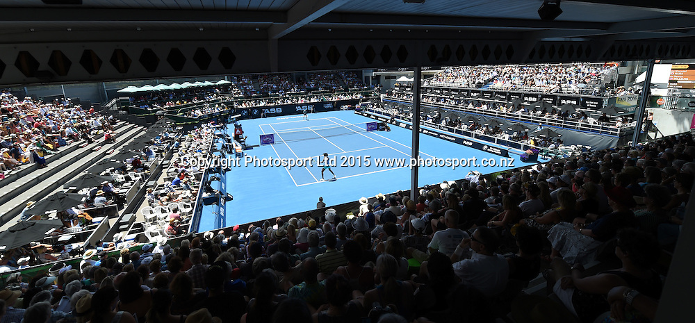 General view of Centre Court on Day 3 at the ASB Classic WTA International. Auckland, New Zealand. Wednesday 7 January 2015. Copyright photo: Andrew Cornaga/www.photosport.co.nz