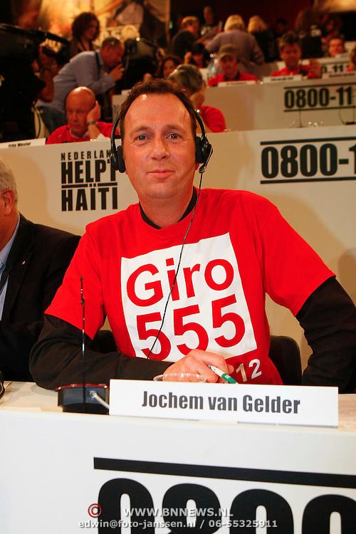 NLD/Hilversum/20100121 - Benefietactie voor het door een aardbeving getroffen Haiti, Jochem van Gelder