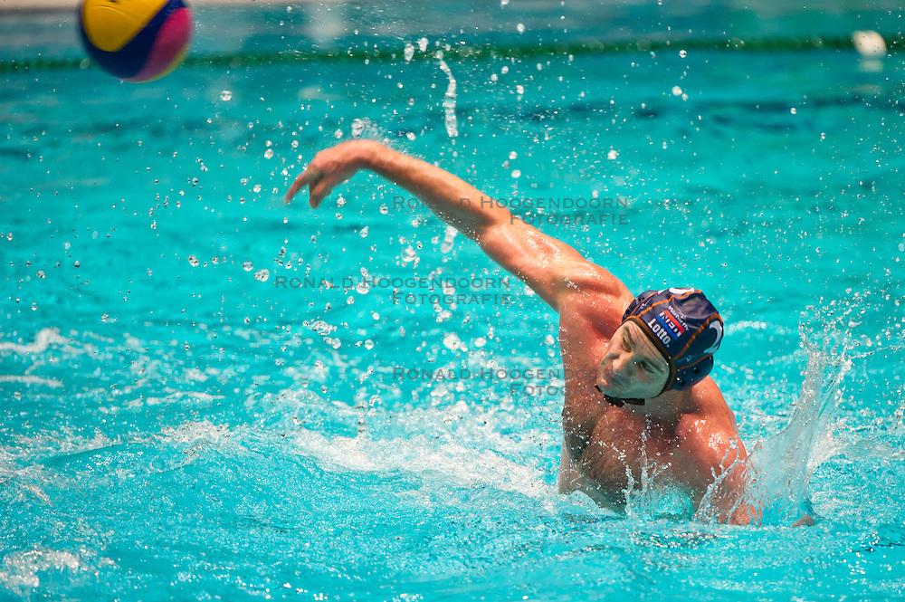23-01-2012 WATERPOLO: EC NETHERLANDS - MACEDONIA: EINDHOVEN<br /> European Championships Netherlands - Macedonia / Matthijs de Bruijn<br /> (c)2012-FotoHoogendoorn.nl / Peter Schalk