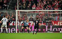 Fotball<br /> 24.04.2008<br /> Foto: Witters/Digitalsport<br /> NORWAY ONLY<br /> <br /> Tor 1:1 Eigentor durch Lucio (nicht im Bild) Bayern, Torwart Oliver Kahn<br /> <br /> UEFA-Cup Halbfinale  FC Bayern München - FC Zenit St.Petersburg