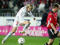 Fotball<br /> Play off VM 2006<br /> Tsjekkia v Norge <br /> Czech Republic v Norway<br /> 16.11.2005<br /> Foto: Morten Olsen, Digitalsport<br /> <br /> Pavel Nedved fires a shot