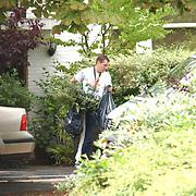 Moeder Anouk Teeuwe moet haar huis uit van haar dochter Da Costaplein 43 Voorburg, vriend moeder