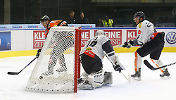 13.11.2016, Merkur Eisarena, Graz, AUT, EBEL, Moser Medical Graz 99ers vs Dornbirner Eishockey Club, 18. Runde, im Bild Tor von Matt Pelech (#23, Moser Medical Graz 99ers) gegen Florian Hardy (#49, Dornbirner Eishockey Club) und Nicholas Crawford (#4, Dornbirner Eishockey Club) // during the Erste Bank Icehockey League 18th Round match between Moser Medical Graz 99ers and Dornbirner Eishockey Club at the Merkur Ice Arena, Graz, Austria on 2016/11/13, EXPA Pictures © 2016, PhotoCredit: EXPA/ Erwin Scheriau