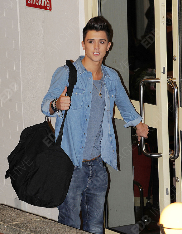 14.OCTOBER.2012. LONDON<br /> <br /> JAMIE HAMBLETT OF UNION J LEAVING THE X-FACTOR STUDIOS AFTER THE RESLUTS SHOW.<br /> <br /> BYLINE: EDBIMAGEARCHIVE.CO.UK<br /> <br /> *THIS IMAGE IS STRICTLY FOR UK NEWSPAPERS AND MAGAZINES ONLY*<br /> *FOR WORLD WIDE SALES AND WEB USE PLEASE CONTACT EDBIMAGEARCHIVE - 0208 954 5968*