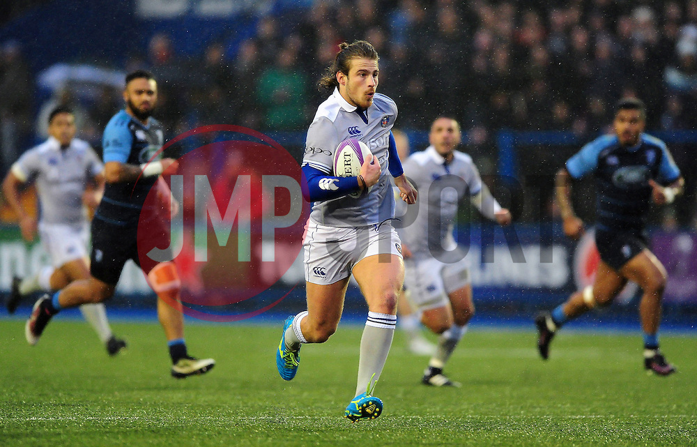 Max Clark of Bath Rugby goes on the attack - Mandatory byline: Patrick Khachfe/JMP - 07966 386802 - 10/12/2016 - RUGBY UNION - Cardiff Arms Park - Cardiff, Wales - Cardiff Blues v Bath Rugby - European Rugby Challenge Cup.