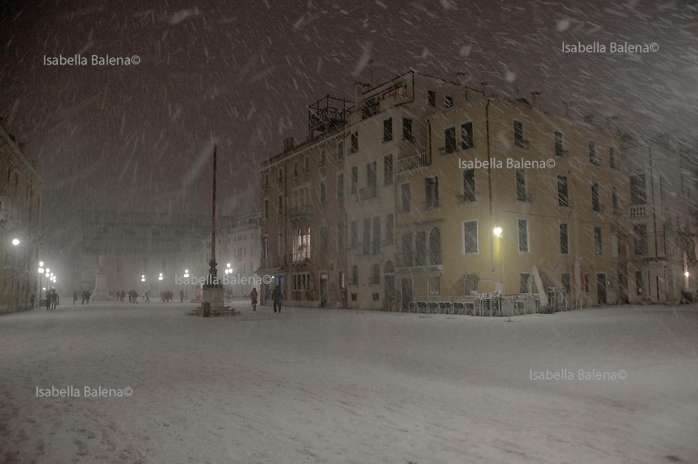 Venice, 2009. Campo Santo Stefano nella neve.