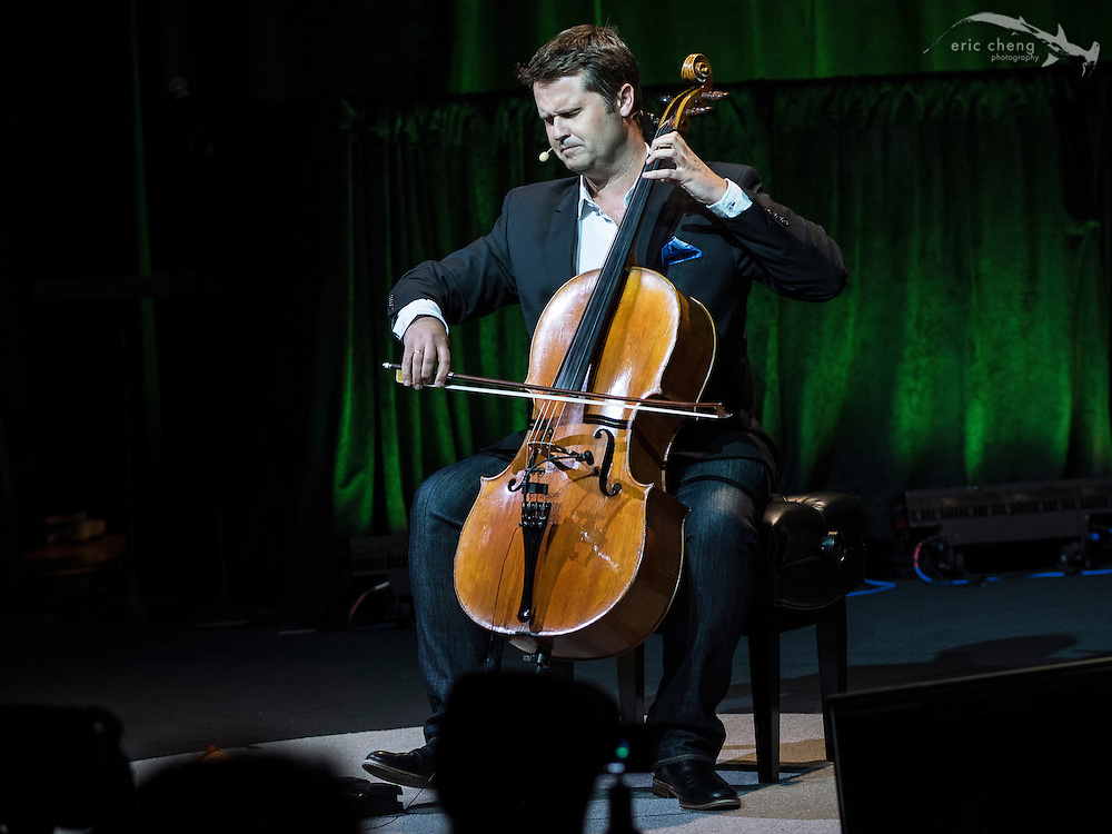 Philip Shepperd plays looped cello #egconf #eg8