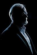 Lars Hedegaard Jensen, historiker, journalist og forfatter. Lars Hedegaard er formand for Trykkefrihedsselskabet af 2004 og er ivrig deltager i debatten om ytringsfrihed. <br /> I februar 2013 blev han fors&oslash;gt skudt i d&oslash;ren til sit hjem p&aring; Frederiksberg. Gerningsmanden blev aldrig p&aring;grebet.