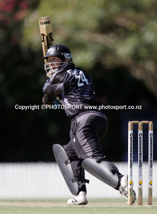 New Zealand's Maria Fahey in action during the first ODI Rose Bowl cricket match between the White Ferns and Australia at Allan Border Field, Brisbane, Australia, on Friday 20 October 2006. Australia won the match by 2 with a total of 201. Photo: Renee McKay/PHOTOSPORT<br />