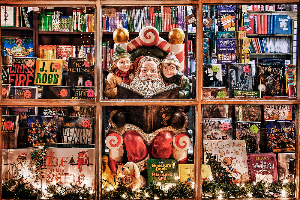 Holiday bookstore window, Peddlers Village, Lahaska, Pennsylvania, USA