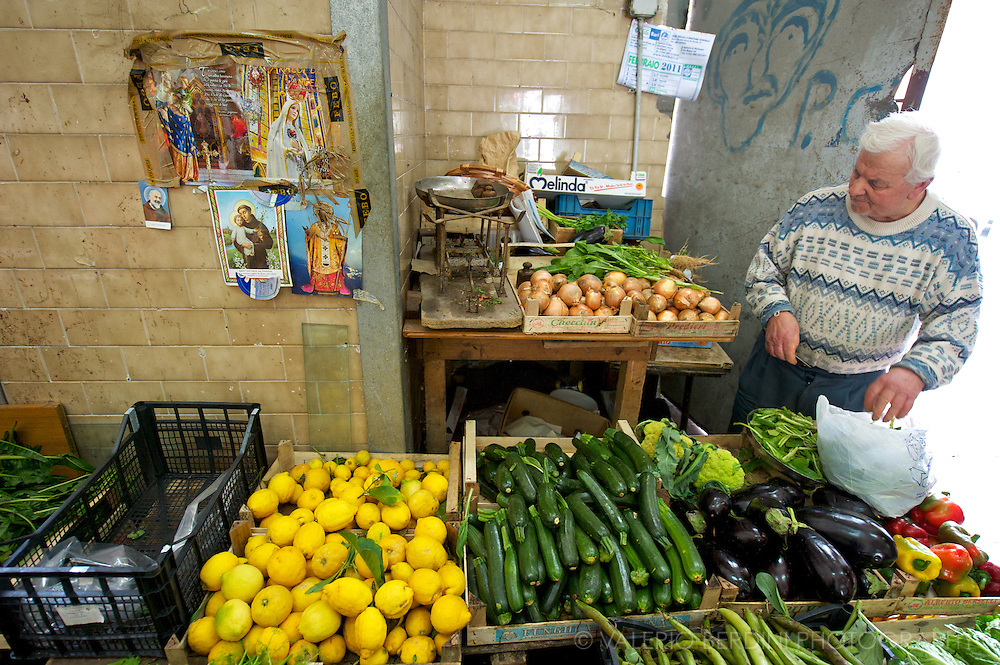 Fresh vegetable in one of the many of Bari market's stalls.