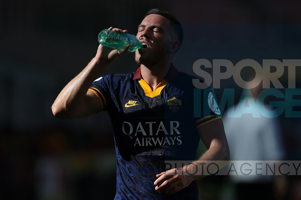 AS Roma's French midfielder Jordan Veretout water drinks from a bottle during the Serie A match at Giuseppe Meazza, Milan. Picture date: 28th June 2020. Picture credit should read: Jonathan Moscrop/Sportimage
