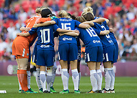 Football - SSE Women's FA Cup Final - Arsenal Women vs. Chelsea Ladies<br /> <br /> Chelsea players in a huddle before the game at Wembley Stadium.<br /> <br /> COLORSPORT/DANIEL BEARHAM