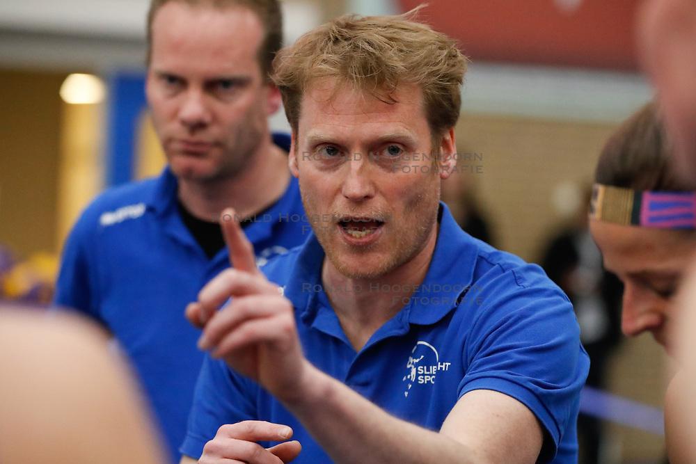 20170430 NED: Eredivisie, VC Sneek - Sliedrecht Sport: Sneek<br />Matt van Wezel, headcoach of Sliedrecht Sport <br />&copy;2017-FotoHoogendoorn.nl / Pim Waslander