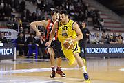 DESCRIZIONE : Ancona Lega A 2012-13 Sutor Montegranaro Angelico Biella<br /> GIOCATORE : Christian Burns<br /> CATEGORIA : palleggio penetrazione<br /> SQUADRA : Sutor Montegranaro<br /> EVENTO : Campionato Lega A 2012-2013 <br /> GARA : Sutor Montegranaro Angelico Biella<br /> DATA : 02/12/2012<br /> SPORT : Pallacanestro <br /> AUTORE : Agenzia Ciamillo-Castoria/C.De Massis<br /> Galleria : Lega Basket A 2012-2013  <br /> Fotonotizia : Ancona Lega A 2012-13 Sutor Montegranaro Angelico Biella<br /> Predefinita :