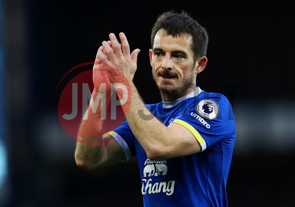 Leighton Baines of Everton applauds the fans - Mandatory by-line: Matt McNulty/JMP - 19/11/2016 - FOOTBALL - Goodison Park - Liverpool, England - Everton v Swansea City - Premier League