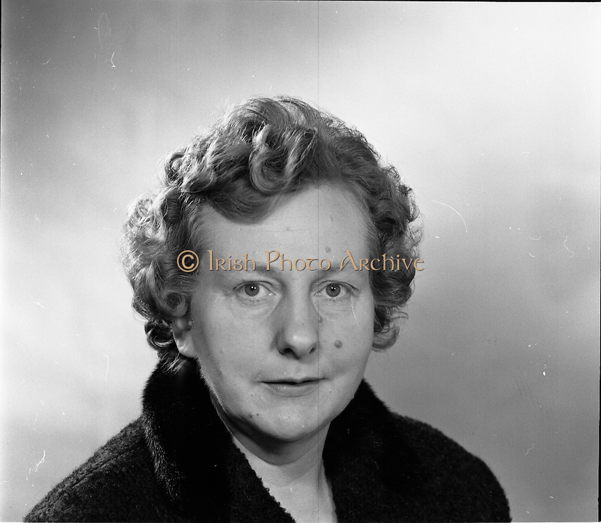 16/09/1968<br /> 09/16/1968<br /> 16 September 1968<br /> Piggybank Grocers at Lensmen studio. Pictured is Ms A Kearns, Stillorgan.