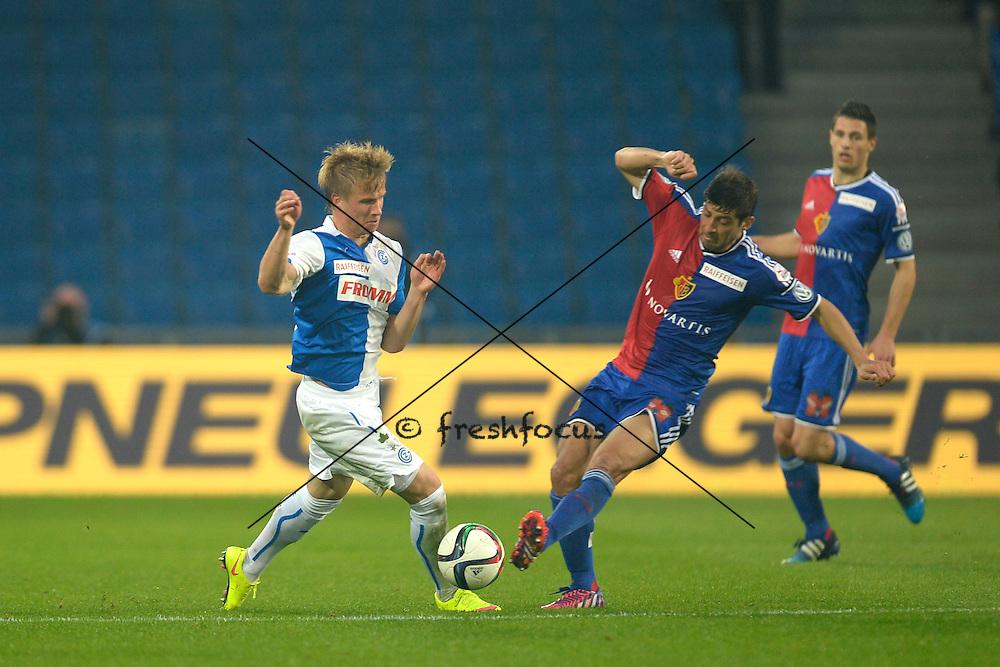 02.05.2015; Basel; Fussball Super League - FC Basel - Grasshopper Club Zuerich; Moritz Bauer (GC) gegen Davide Calla (Basel)<br />(Claudia Minder/freshfocus)