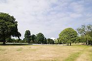 SERPENTINE PAVILION 2006, LONDON, W2 PADDINGTON, UK, REM KOOLHAAS - OFFICE FOR METROPOLITAN ARCHITECTURE, EXTERIOR, VIEW FROM SERPENTINE LAKE