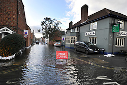 © Licensed to London News Pictures. Date 9 Jan 2014. Oxford. River Thames floods at Oxford causing the closure of the Abingdon and Botley roads.. Photo credit : MarkHemsworth/LNP