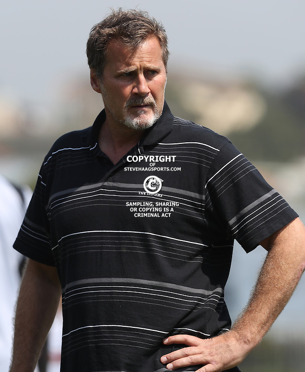 DURBAN, SOUTH AFRICA - SEPTEMBER 15: Robert du Preez (Head Coach) of the Cell C Sharks during the Cell C Sharks XV training session at Growthpoint Kings Park on September 15, 2016 in Durban, South Africa. (Photo by Steve Haag/Gallo Images)