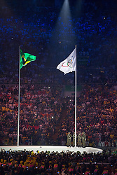 05.08.2016, Maracana, Rio de Janeiro, BRA, Rio 2016, Olympische Sommerspiele, Eröffnung der XXXI. Olympiade, im Bild Nationalflagge Barsilien und Olympische Flagge // National flag Brazil and Olympic flag during the Opening Ceremony of the Rio XXXI 2016 Olympic Summer Games at the Maracana in Rio de Janeiro, Brazil on 2016/08/05. EXPA Pictures © 2016, PhotoCredit: EXPA/ Johann Groder