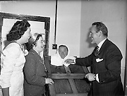 24/09/1958<br /> 09/24/1958<br /> 24 September 1958<br /> Opening of Le Pompadour Salon by the Lord Mayor of Dublin Catherine Byrne, for Mr. Victor Vinmar at 6 Upper Fitzwilliam Street, Dublin.Image shows the Lady Mayor being shown a steam or hot box in action, possibly by Mr Vinmar. In 1969 Mr Vinmar is listed in the Thom's Directory as being a hypnotherapist at the same address.