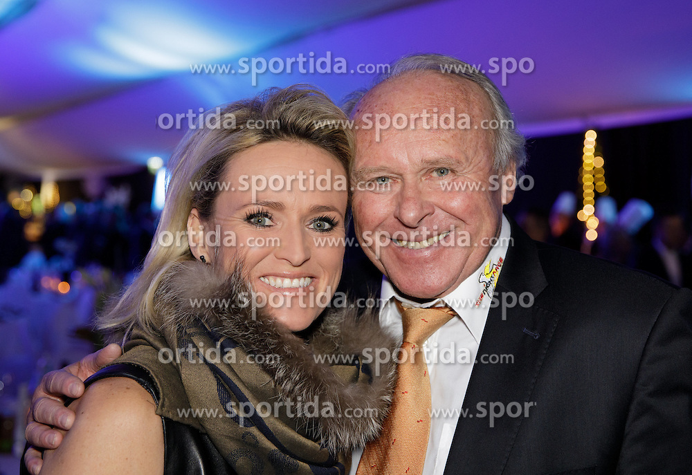 23.01.2017, Planai, Schladming, AUT, FIS Weltcup Ski Alpin, Slalom, Herren, Charity Night, im Bild Alexandra Meissnitzer und Hans Grogl, WSV Schladming // during the Charity Night prior to the Schladming FIS Ski Alpine World Cup 2017 at the Planai in Schladming, Austria on 2017/01/23. EXPA Pictures © 2017, PhotoCredit: EXPA/ Martin Huber