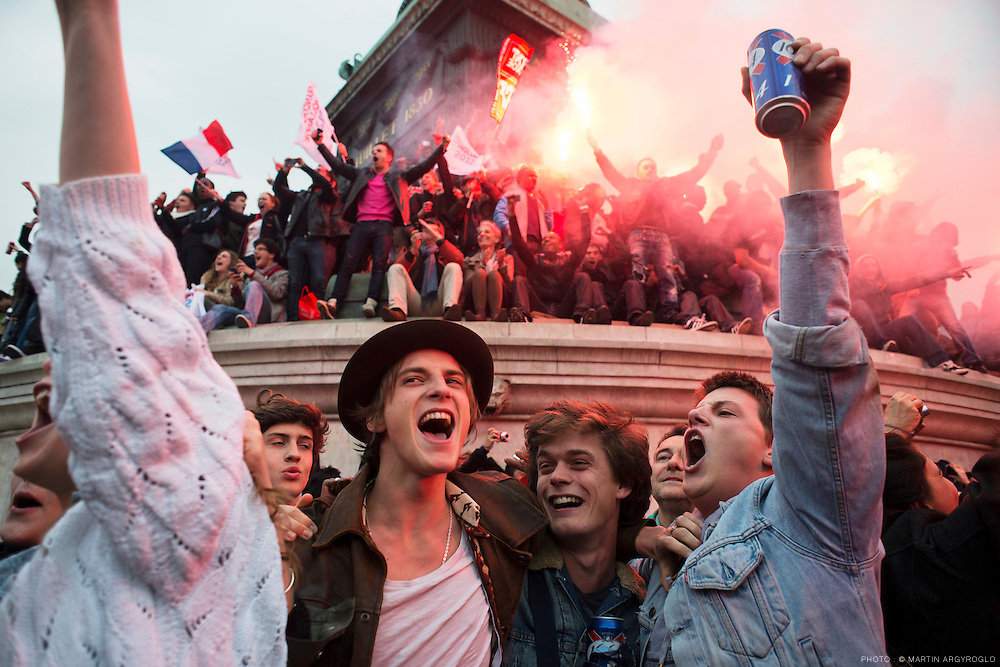 Célébration de la victoire de François Hollande à l'élection présidentielle le 6 mai, place de la Bastille à Paris / Celebrating the victory of Francois Hollande in the presidential election on May 6, place de la Bastille in Paris.