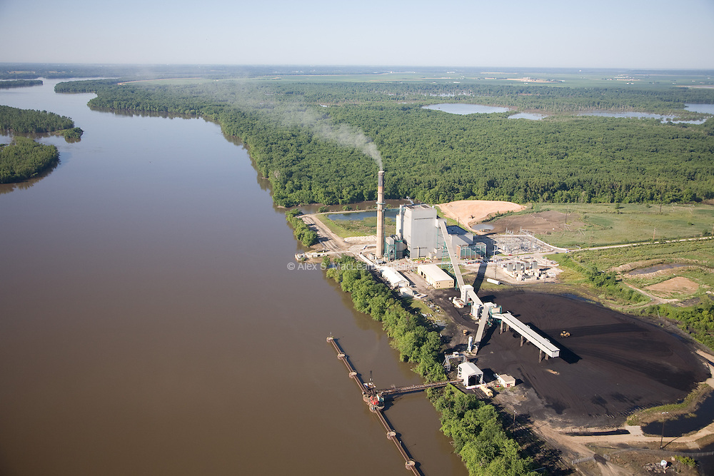 Burlington Generating Station is a coal-fired power station owned and operated by Alliant Energy on the Mississippi River south of Burlington, IA, producing 212 MW (Megawatts).