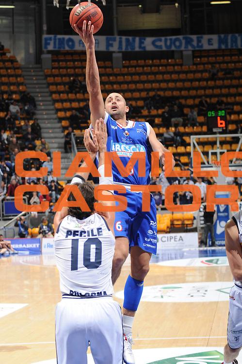 DESCRIZIONE : Bologna Lega Basket A2 2011-12 Conad Bologna Centrale Del Latte Brescia<br /> GIOCATORE : Rodolfo Rombaldoni<br /> CATEGORIA : tiro<br /> SQUADRA : Centrale Del Latte Brescia<br /> EVENTO : Campionato Lega A2 2011-2012<br /> GARA : Conad Bologna Centrale Del Latte Brescia<br /> DATA : 24/02/2012<br /> SPORT : Pallacanestro<br /> AUTORE : Agenzia Ciamillo-Castoria/M.Marchi<br /> Galleria : Lega Basket A2 2011-2012 <br /> Fotonotizia : Bologna Lega Basket A2 2011-12 Conad Bologna Centrale Del Latte Brescia<br /> Predefinita :