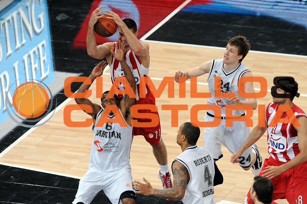 DESCRIZIONE : Parigi Paris Eurolega Eurolegue 2009-10 Final Four Semifinale Semifinal Partizan Belgrado Olympiacos Pireo Atene<br /> GIOCATORE : Linas Kleiza <br /> SQUADRA : Olympiacos Pireo Atene<br /> EVENTO : Eurolega 2009-2010 <br /> GARA : Partizan Belgrado Olympiacos Pireo Atene<br /> DATA : 07/05/2010 <br /> CATEGORIA : rimbalzo<br /> SPORT : Pallacanestro <br /> AUTORE : Agenzia Ciamillo-Castoria/GiulioCiamillo<br /> Galleria : Eurolega 2009-2010 <br /> Fotonotizia : Parigi Paris Eurolega Euroleague 2009-2010 Final Four Semifinale Semifinal Partizan Belgrado Olympiacos Pireo Atene<br /> Predefinita :