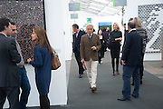 GIANCARLO GIACOMETTI, Opening of Frieze 2009. Regent's Park. London. 14 October 2009 *** Local Caption *** -DO NOT ARCHIVE-© Copyright Photograph by Dafydd Jones. 248 Clapham Rd. London SW9 0PZ. Tel 0207 820 0771. www.dafjones.com.<br /> GIANCARLO GIACOMETTI, Opening of Frieze 2009. Regent's Park. London. 14 October 2009