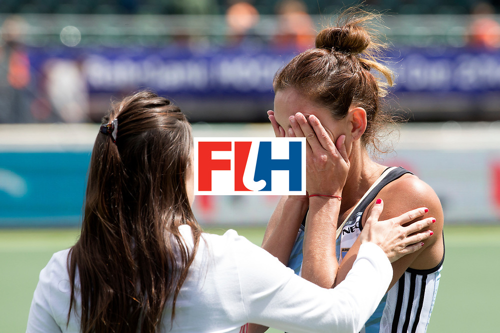 THE HAGUE - Rabobank Hockey World Cup 2014 - 14-06-2014 - 3/4 Place - WOMEN -  ARGENTINA - USA  - Luciana Aymar in tranen.<br /> Copyright: Willem Vernes