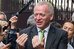 """London, UK. 25 September, 2019. Phillip Lee, Liberal Democrat MP for Bracknell, prepares to return to Parliament with his colleagues on the day after the Supreme Court ruled that the Prime Minister's decision to suspend parliament was """"unlawful, void and of no effect"""". Credit: Mark Kerrison/Alamy Live News"""
