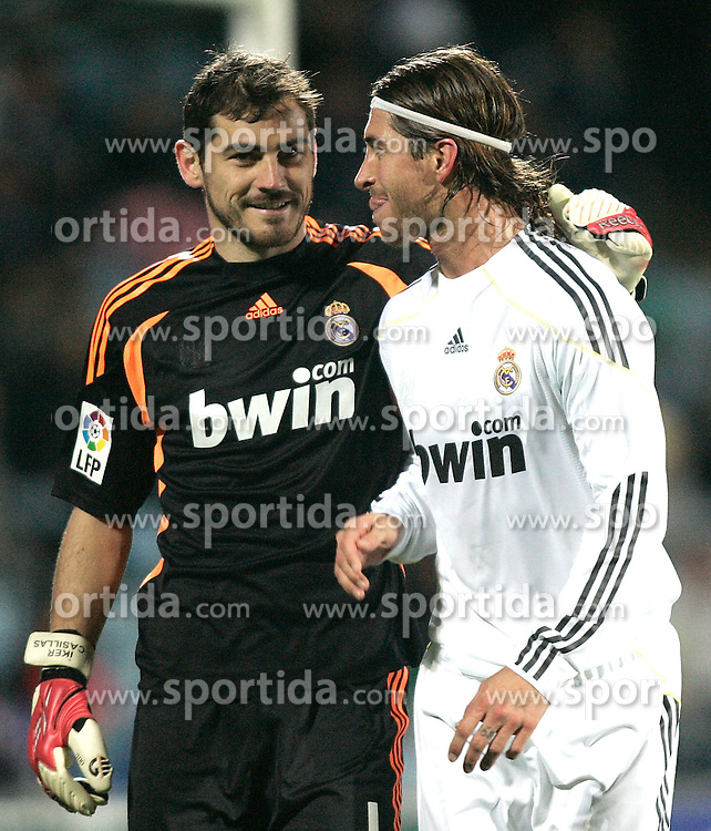 25.03.2010, Coliseum Alfonso Perez, Madrid, ESP, Primera Divison, FC Getafe vs Real Madrid, im Bild Real Madrid's Iker Casillas and Sergio Ramos lachen, EXPA Pictures © 2010, PhotoCredit: EXPA/ Alterphotos/ Alvaro Hernandez / SPORTIDA PHOTO AGENCY