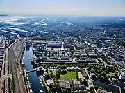 Nederland, Noord-Holland, Gemeente Amsterdam; 02-09-2020; Oostelijke eilanden. Kattenburg, Piet Heinkade, Dijksgracht en Oosterdok. Marineterrein (Marine Etablissement Amsterdam) en Scheepvaartmuseum. Rechtsonder de ingang van IJtunnel, met  Nemo Science Museum. <br /> Eastern Dock with new hotspot former Navy yard.<br /> <br /> luchtfoto (toeslag op standaard tarieven);<br /> aerial photo (additional fee required)<br /> copyright © 2020 foto/photo Siebe Swart