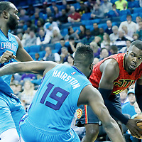 01 November 2015: AAtlanta Hawks forward Paul Millsap (4) looks to pass the ball during the Atlanta Hawks 94-92 victory over the Charlotte Hornets, at the Time Warner Cable Arena, in Charlotte, North Carolina, USA.