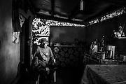 NOUVELLE CALEDONIE, HIENGHENE, Tiendanite - Portrait de Felix Tijbaou, Chef du clan Tjibaou et tu conseil des anciens de Tiendanite, Cousin de Jean-Marie Tjibaou - Aout 2013
