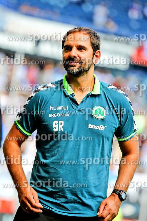 29.08.2015, Schauinsland Reisen Arena, Duisburg, GER, 2. FBL, MSV Duisburg vs SpVgg Greuther Fuerth, 5. Runde, im Bild Stefan Ruthenbeck (Trainer, SpVgg. Greuther Fuerth), // during the 2nd German Bundesliga 5th round match between MSV Duisburg and SpVgg Greuther Fuerth at the Schauinsland Reisen Arena in Duisburg, Germany on 2015/08/29. EXPA Pictures &copy; 2015, PhotoCredit: EXPA/ Eibner-Pressefoto/ Deutzmann<br /> <br /> *****ATTENTION - OUT of GER*****