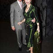 NLD/Mijdrecht/20070901 - Modeshow Jaap Rijnbende najaar 2007, Marijke Helwegen en partner Harry