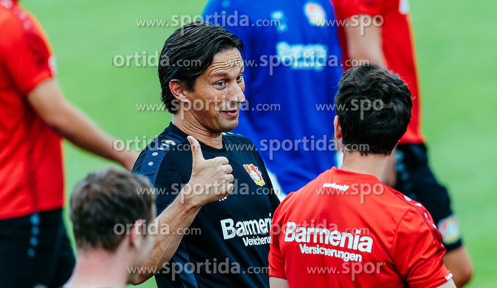 29.07.2016, Alois Latini Stadion, Zell am See, AUT, Bayer 04 Leverkusen, Trainingslager, im Bild Trainer Roger Schmidt (Bayer 04 Leverkusen), Robbie Kruse (Bayer 04 Leverkusen) // during the Trainingscamp of German Bundesliga Club Bayer 04 Leverkusen at the Alois Latini Stadium in Zell am See, Austria on 2016/07/29. EXPA Pictures © 2016, PhotoCredit: EXPA/ JFK