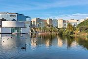 Vue sur le centre d'affaire de l'Arenas depuis le parc Phoenix // View of Arenas business centre from Phoenix park