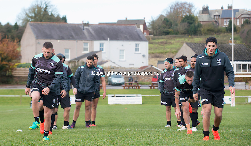 Picture by Allan McKenzie/SWpix.com - 10/11/2016 - Rugby League - 2016 Ladbrokes 4 Nations - New Zealand Kiwis Captains Run - Aspatria Rugby Club, Aspatria, England - The Kiwis warm up in the quiet village of Aspatria at the local rugby club. Copyright Image: SWPix / www.photosport.nz